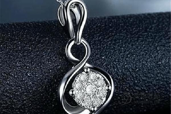 老凤祥钻石项链在哪里回收?回收多少钱?
