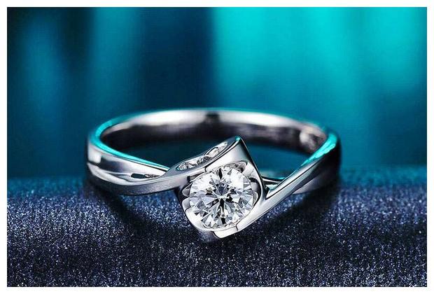 买多大的结婚钻戒比较保值?
