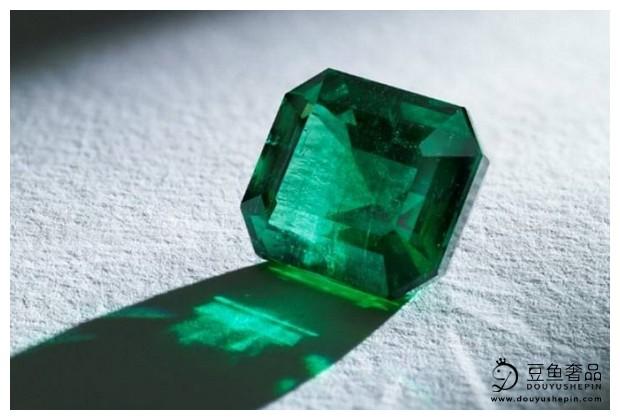 你知道世界上最贵的三种宝石是那三种吗?