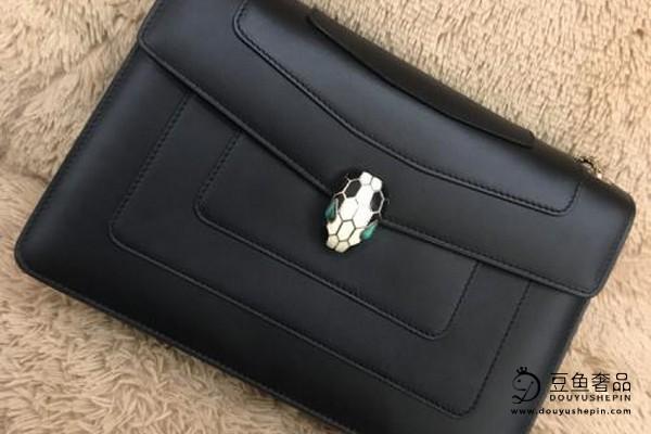 著名的宝格丽蛇头包包回收价格是多少?