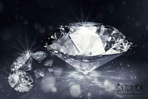 泛黄的白钻和黄钻之间有什么区别?黄色钻石好回收吗?