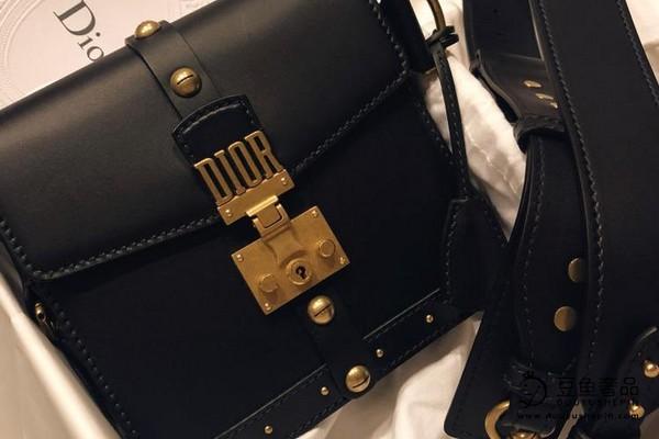 迪奥品牌的复古包包有回收价格吗?