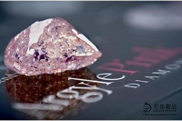 什么因素会影响粉色钻石的回收价格?