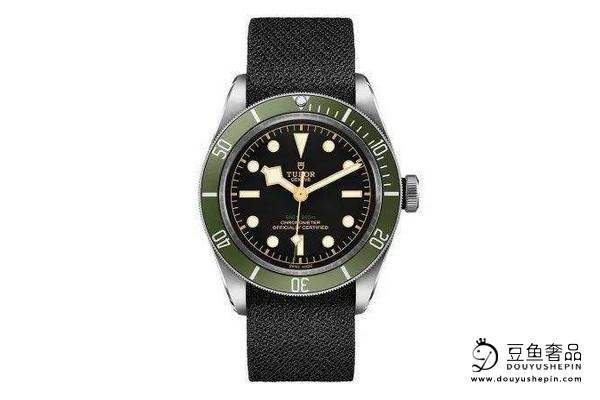 你知道如何估算帝舵碧湾系列M79830RB-0001手表的回收价格吗?