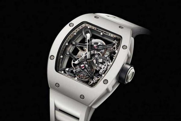 萧邦HAPPY DIAMONDS系列哪一款手表回收价格高?